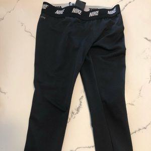 Nike girl Capri pants.Great condition, barely worn